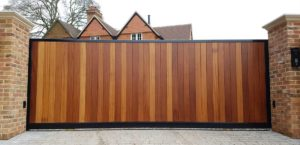 Automatic electric gates installation.